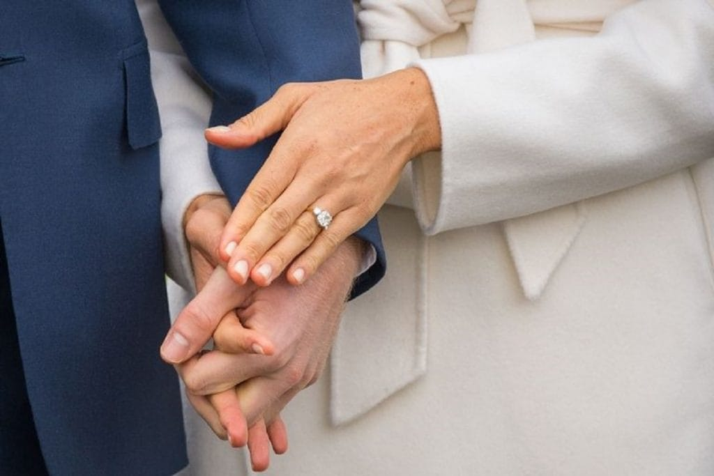 Обручальное кольцо Меган Маркл теперь может купить любой желающий