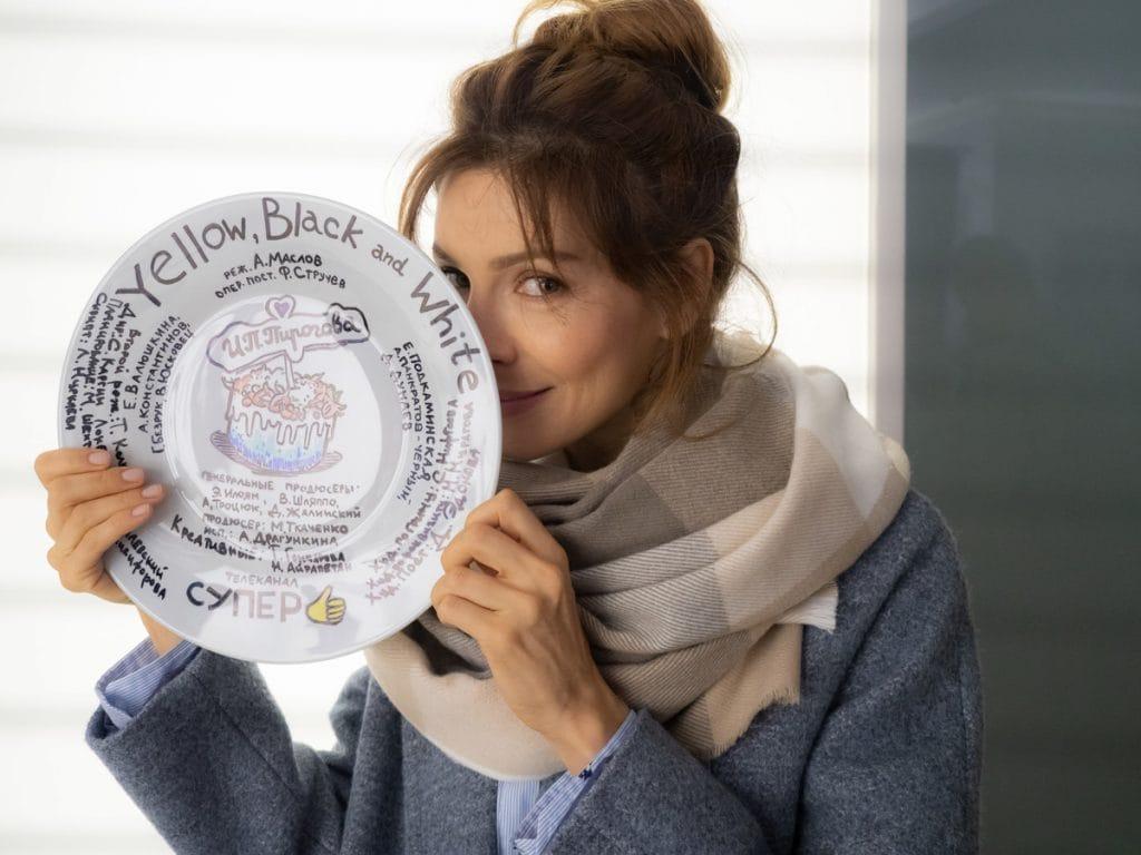 Звезда «Кухни» в новой роли для сериала «ИП Пирогова» – фото со съемок