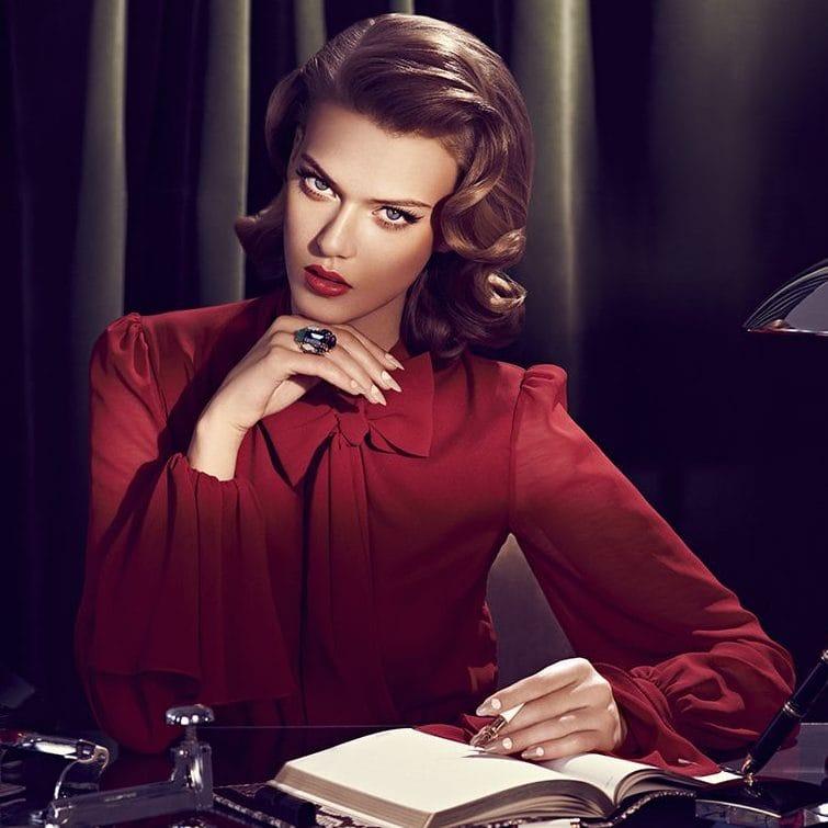 Какую косметику нужно взять с собой в офис?