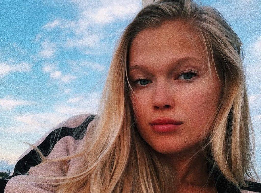 Русская модель Victoria's Secret впервые стала мамой