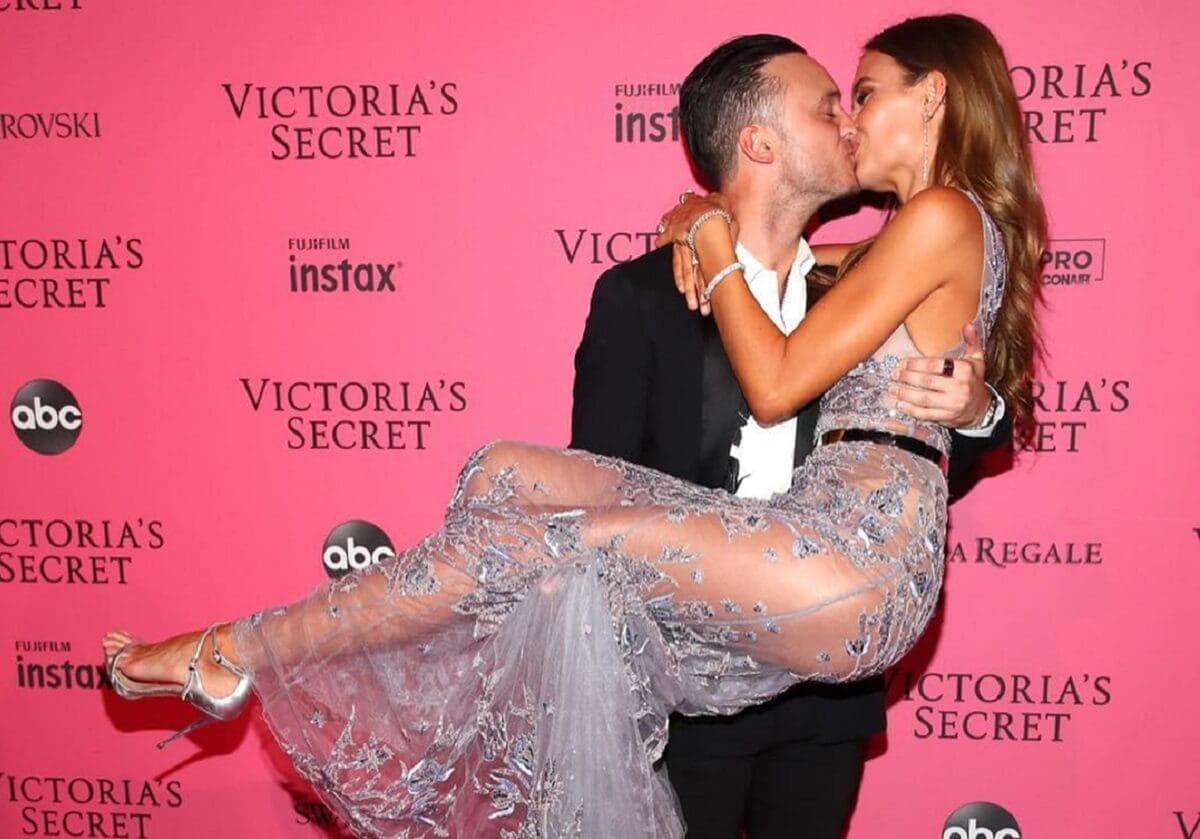 «Ангел» Victoria's Secret Жозефин Скривер выходит замуж