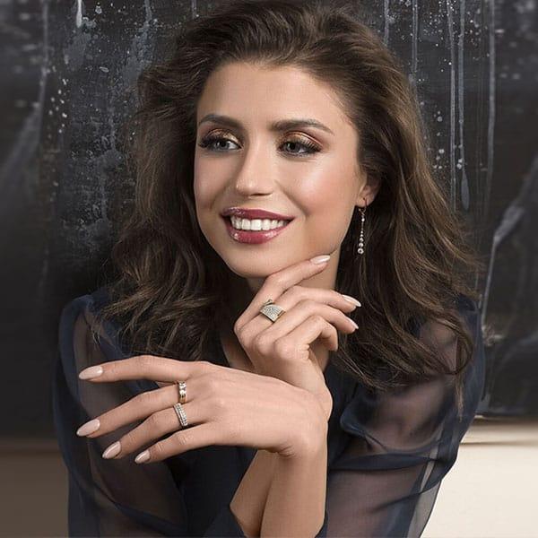 Марина Карпунина: «Крем для лица и улыбка – вот мои секреты»