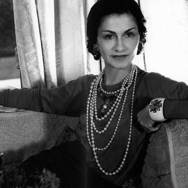 «Остерегайтесь оригинальности»: уроки стиля от Коко Шанель