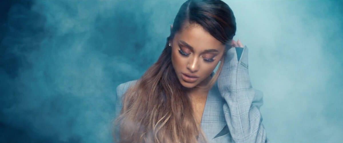 Ариана Гранде выпустила новый клип на песню Breathin