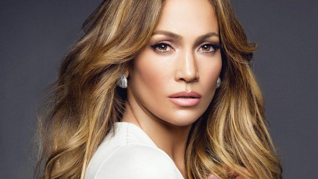 Дженнифер Лопес выпустит новую линию косметики
