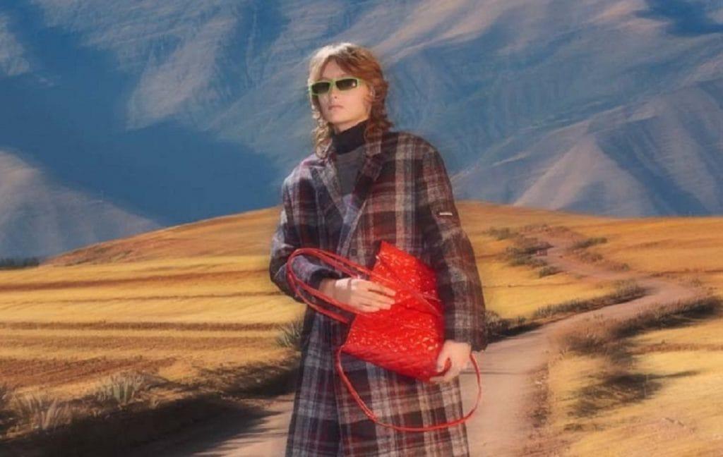 Бренд Balenciaga выпустил новую яркую коллекцию