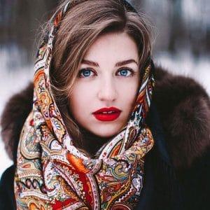 Русский колорит: 5 лучших зимних образов в этностиле