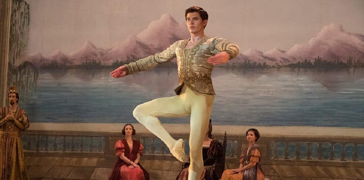 Вышел трейлер драмы «Белая ворона» о танцовщике Рудольфе Нурееве