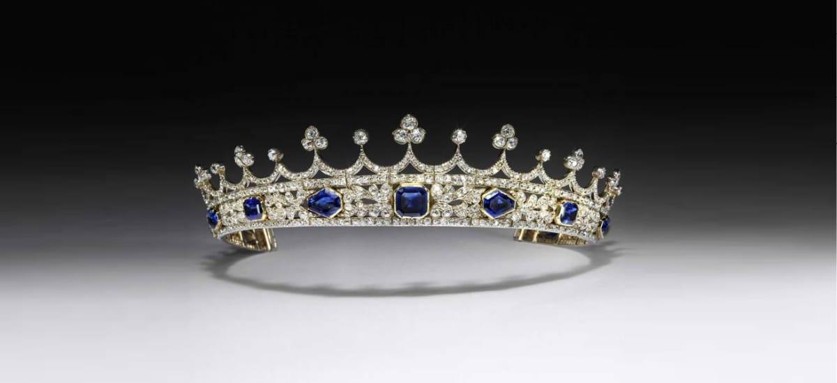 Корону королевы Виктории впервые представят публике