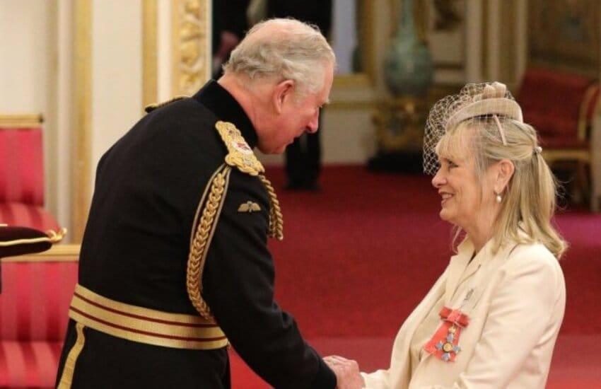 твигги орден британской империи принц чарльз