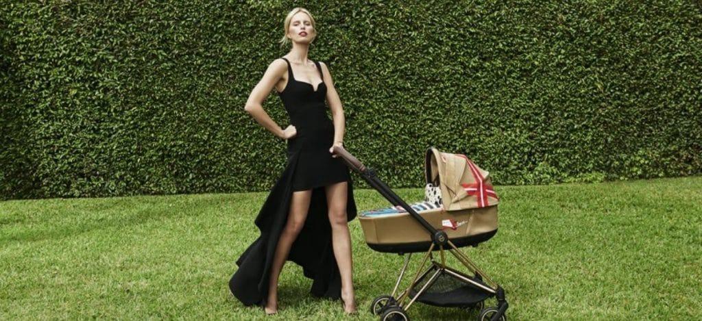 Каролина Куркова создала коллекцию детских колясок