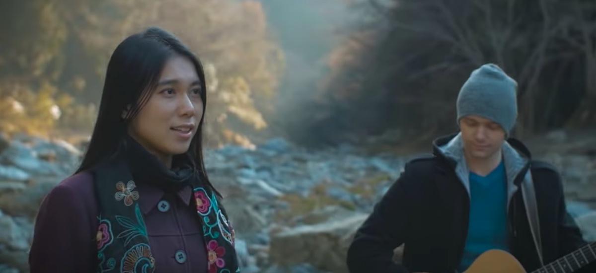 Японская певица спела «Миллион алых роз»