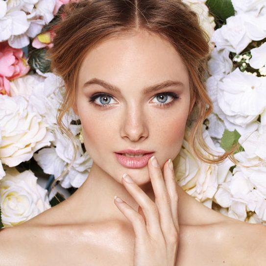 «Макияж без макияжа»: главный бьюти-тренд лета 2019