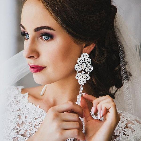 Советы стилиста: главные тренды 2019 года в аксессуарах для невест