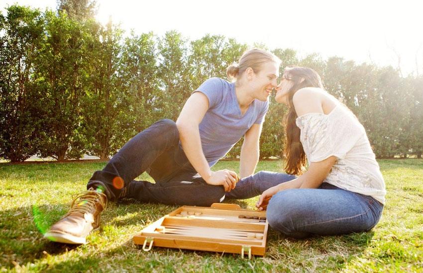 игры настолки пара отношения