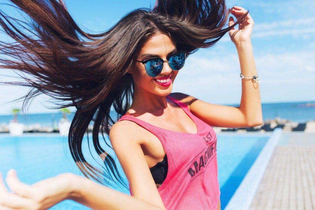 Золотые правила: как ухаживать за волосами летом