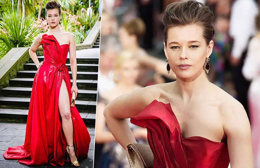 катерина шпица платье красная дорожка кинотавр кинофестиваль
