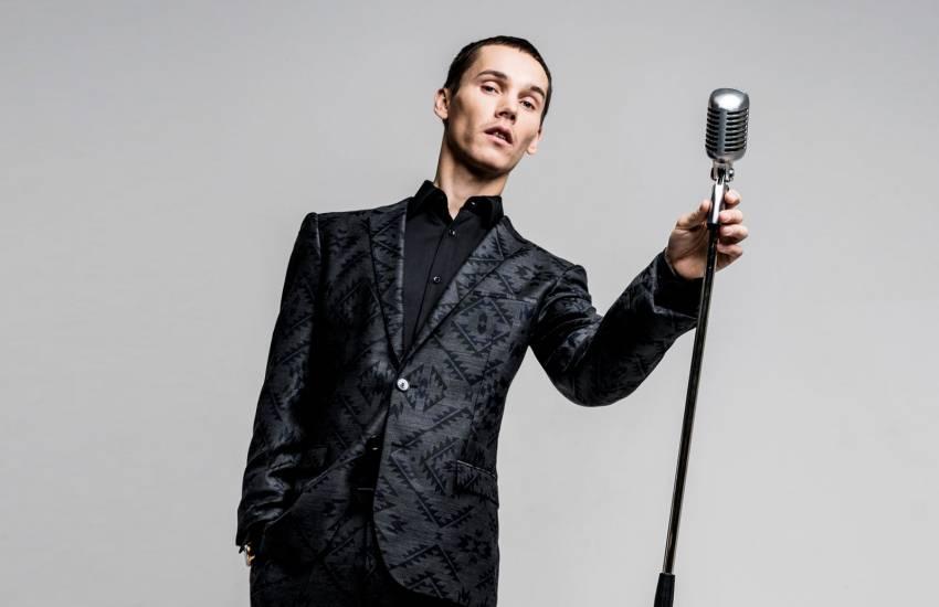 Антоха MC костюм микрофон музыка