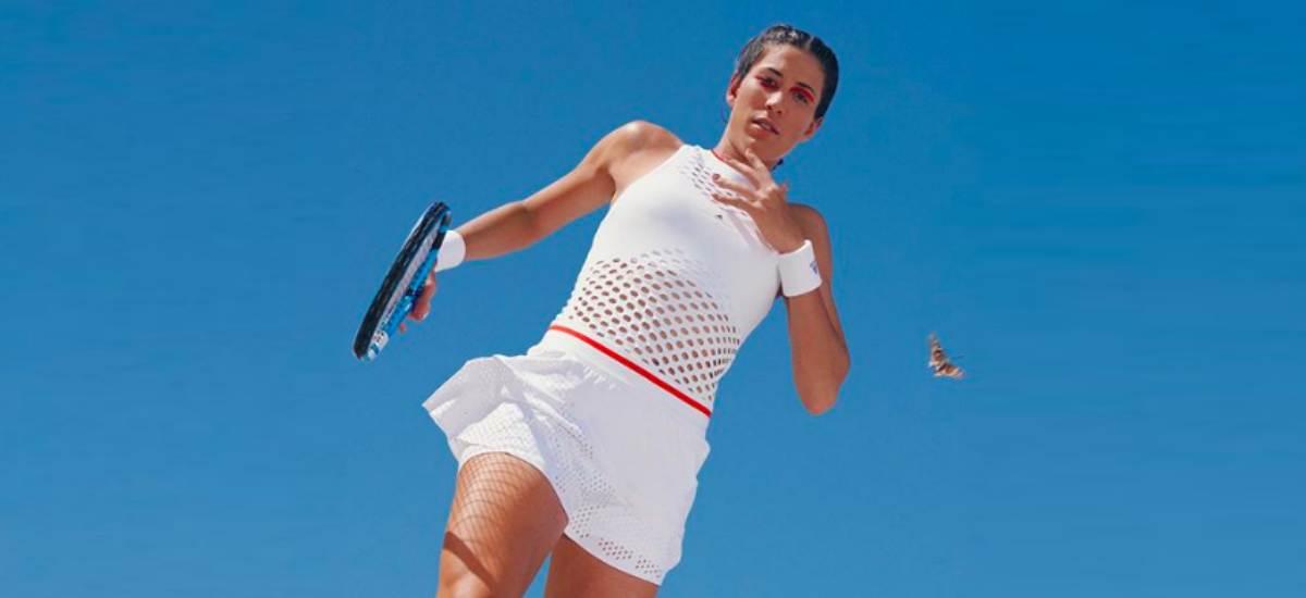 Звезды тенниса в рекламе одежды из пластика