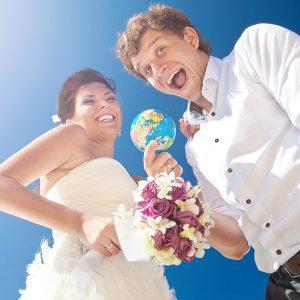 Пристегните ремни: свадьба в стиле «вокруг света»