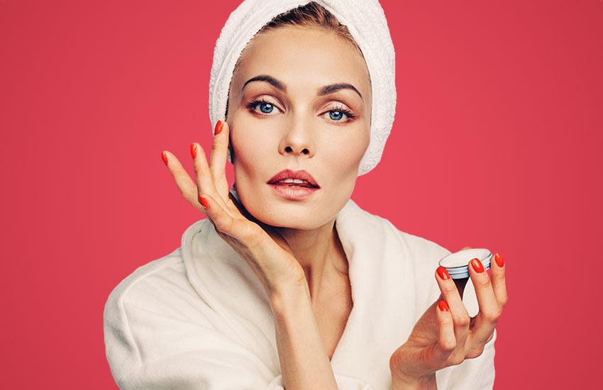 бьюти макияж культовые средства девушка косметика тренды уход за кожей