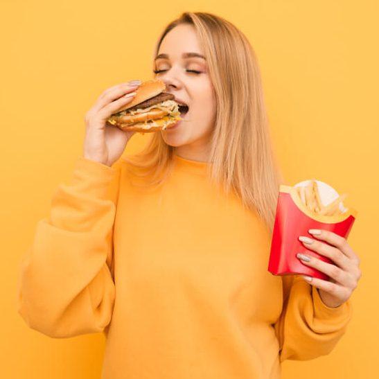 Как есть фастфуд и худеть: 5 лайфхаков для тех, кто не признает диеты