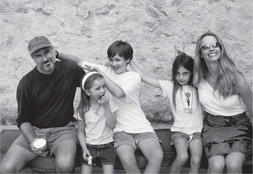 Стив Джобс с семьей