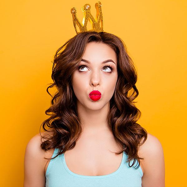 Все люди как люди, а я – королева: твое идеальное украшение с короной