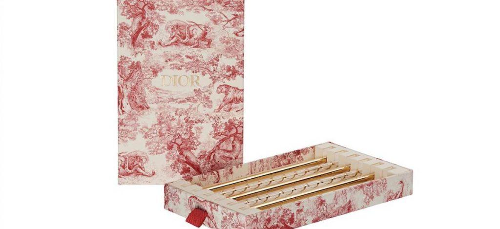 Dior выпустил многоразовые соломинки для напитков