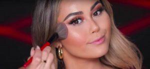 YouTube позволит попробовать косметику от бьюти-блогеров онлайн