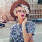 Сто очков вперед: как стильно сочетать ношение очков и сережек