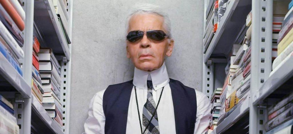 Друзья Карла Лагерфельда выпустят коллекцию белых рубашек в память о нем