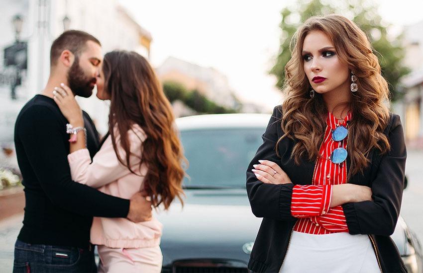 Девушка работает с бывшим парнем на одной работе девушка модель девушка работа
