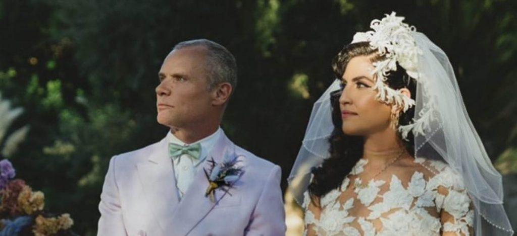 Участник Red Hot Chili Peppers женился