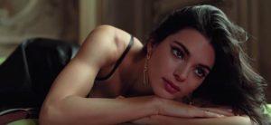 Кендалл Дженнер перевоплотилась в звезд итальянского кино