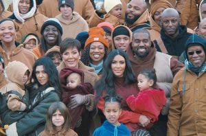 Канье Уэст снял семью Ким Кардашьян в новом клипе