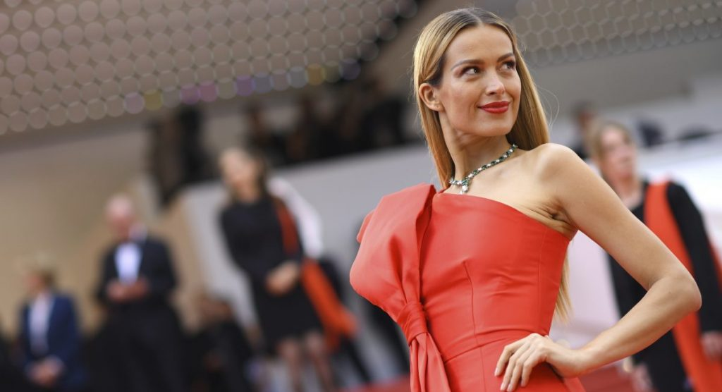 40-летняя модель Петра Немцова родила первенца