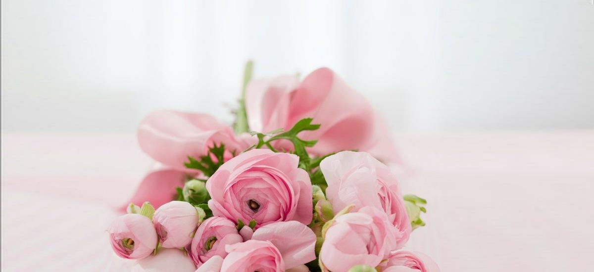 Prada запускает цветочный флешмоб