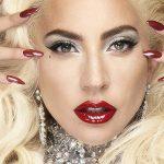 Леди Гага представила рождественскую коллекцию декоративной косметики