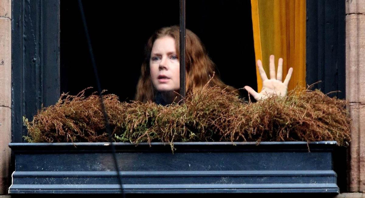 Все под подозрением: вышел трейлер фильма «Женщина в окне»