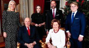 Поздравление от монарха: смотрим новые королевские рождественские открытки