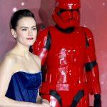 Дэйзи Ридли: «На память о «Звездных войнах» мне подарили меч джедая»
