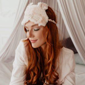 На ночь глядя: 5 ритуалов красоты перед сном для роскошных волос