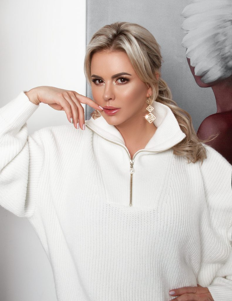 Выбор звезды: 5 украшений в стиле Анны Семенович