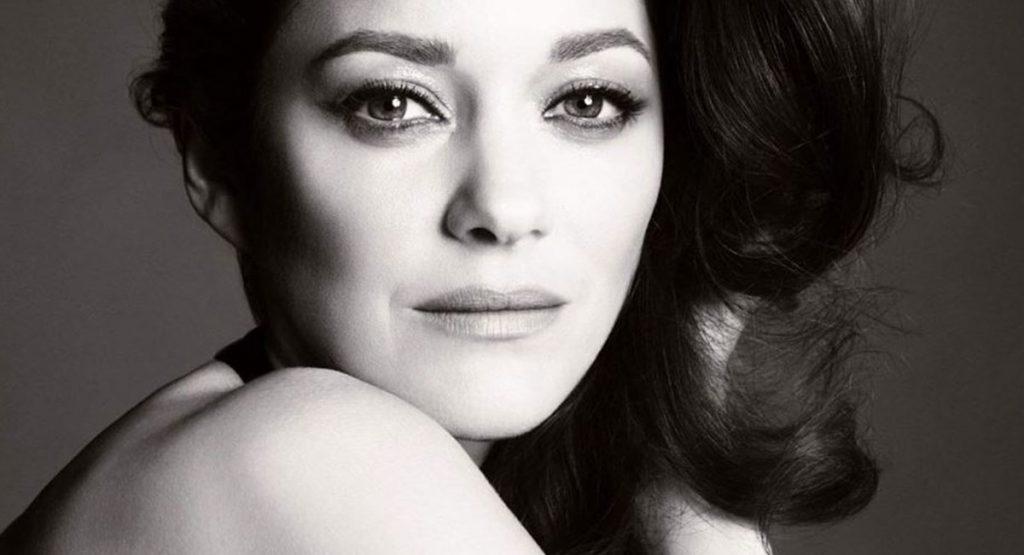 Марион Котийяр стала новым лицом Chanel № 5