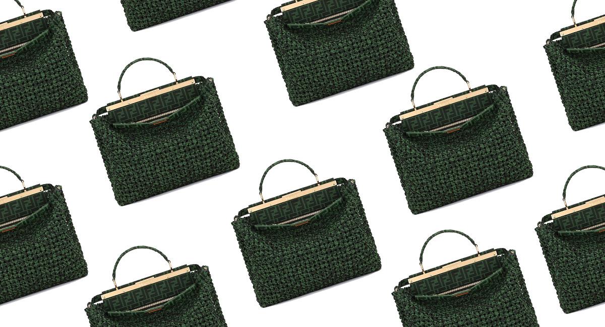 Fendi выпустили коллекцию плетеных сумок FF Green