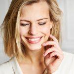 Как отбелить зубы в домашних условиях: 5 действенных способов