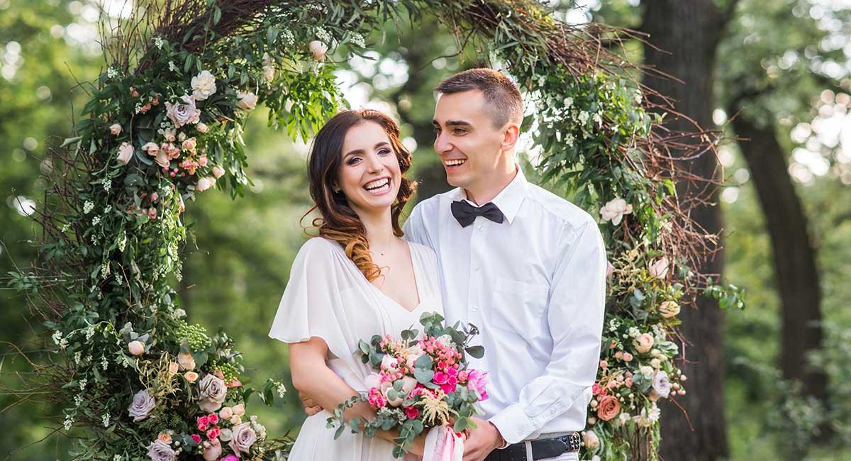 Гармония с природой: цвета Pantone-2021 для вашей свадьбы