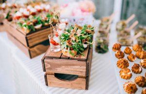 Планируем свадебное меню: 5 лайфхаков, которые уберегут от лишних трат