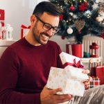 Новый год 2021: что дарить мужчинам